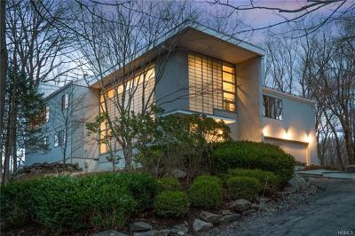 Westchester County Single Family Home For Sale: 126 South Bedford Road