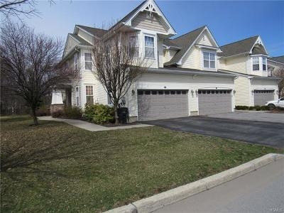 Middletown Single Family Home For Sale: 69 Woodside Knolls Drive