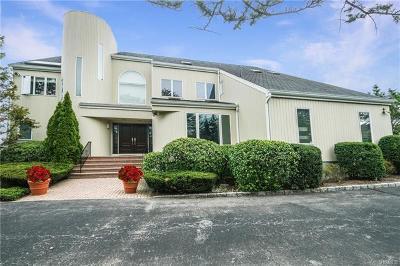 Mamaroneck Single Family Home For Sale: 20 Wagon Wheel Road
