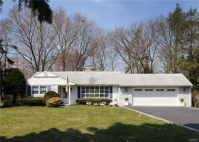 Rockland County Single Family Home For Sale: 18 Pheasant Drive