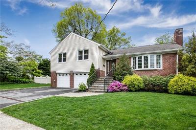 Hartsdale Single Family Home For Sale: 2 Burns Street