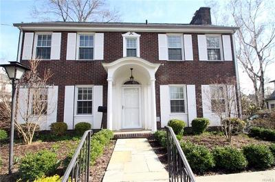 White Plains Single Family Home For Sale: 67 Linda Avenue