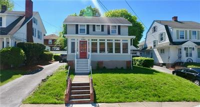 Middletown Single Family Home For Sale: 52 Wallkill Avenue