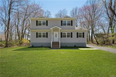 Rockland County Single Family Home For Sale: 11 Bellows Lane