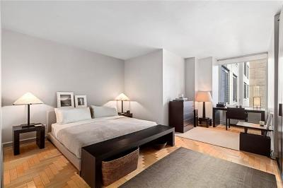 New York Condo/Townhouse For Sale: 220 Riverside Boulevard #16A