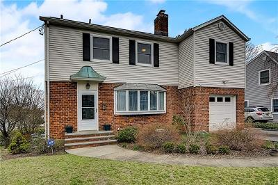 Eastchester Single Family Home For Sale: 14 Leslie Road