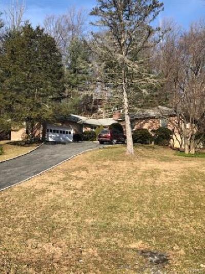 Cortlandt Manor Single Family Home For Sale: 18 John Cava Lane