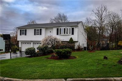 Monroe Single Family Home For Sale: 5 Hall Court