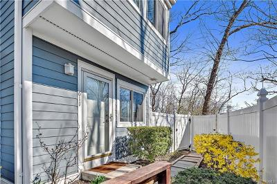 Mount Kisco Condo/Townhouse For Sale: 25 Barker Street #611