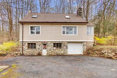 Putnam County Single Family Home For Sale: 936 Peekskill Hollow Road