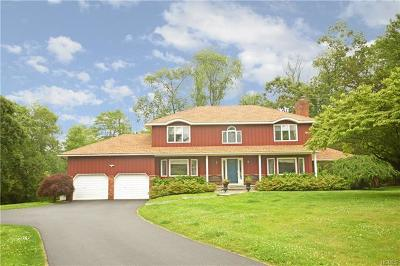 Westchester County Single Family Home For Sale: 5 Cheyenne Court