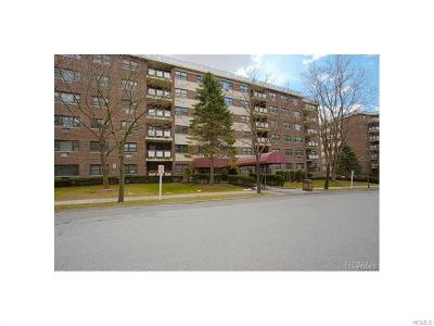 Westchester County Co-Operative For Sale: 200 Diplomat Drive #5B
