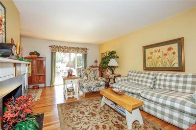 Valley Cottage Condo/Townhouse For Sale: 3 Church Lane #M