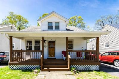 Newburgh Single Family Home For Sale: 19 Roosevelt Place
