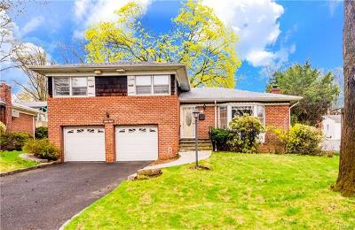 Yonkers Single Family Home For Sale: 68 Eisenhower Drive