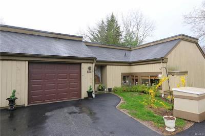 Somers Condo/Townhouse For Sale: 123 Heritage Hills #D