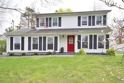 Yorktown Heights NY Single Family Home For Sale: $499,222