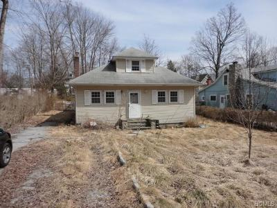 Lake Peekskill Single Family Home For Sale: 36 Northway