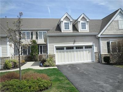 Monroe Single Family Home For Sale: 32 Turnberry Court