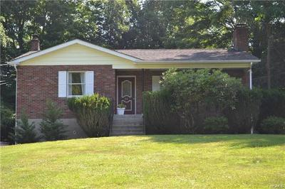 Putnam County Single Family Home For Sale: 24 Lake Trail