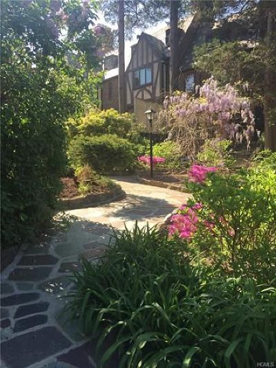 Bronxville Single Family Home For Sale: 3 Center Knolls