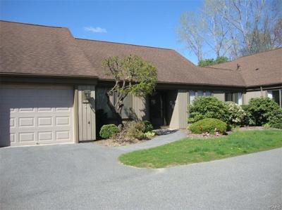 Somers Condo/Townhouse For Sale: 951 Heritage Hills #B