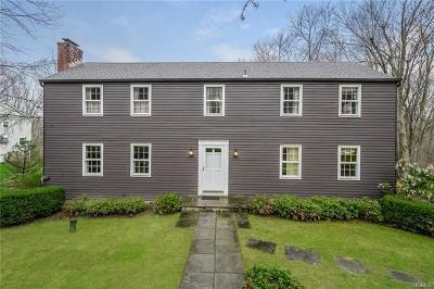 Westchester County Single Family Home For Sale: 22 Brook Farm Road