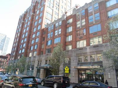 New York Condo/Townhouse For Sale: 350 East 82nd #6S