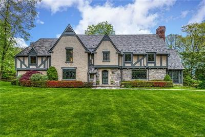 New Rochelle Single Family Home For Sale: 14 Overhill Road
