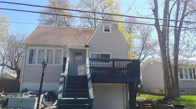 Putnam County Single Family Home For Sale: 100 Lake Drive