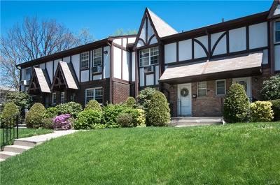 Suffern Condo/Townhouse For Sale: 76 Yorkshire Drive