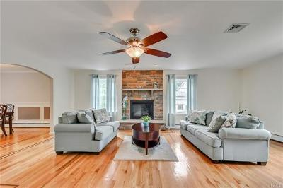 Rock Tavern Single Family Home For Sale: 26 Little Brook Court