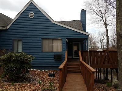 Single Family Home For Sale: 1 Fox Run