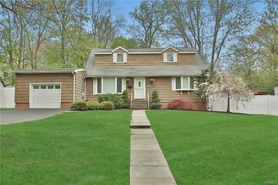 West Nyack Single Family Home For Sale: 15 Heather Lane