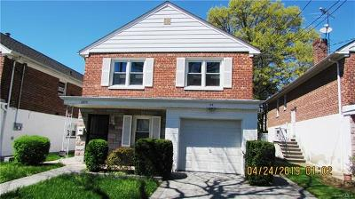 Mount Vernon Multi Family 2-4 For Sale: 42-2215 Nuvern Avenue
