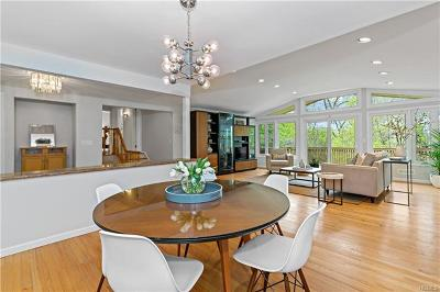 Scarsdale Single Family Home For Sale: 9 Leone Close