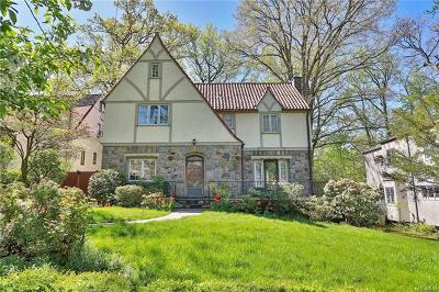 New Rochelle Single Family Home For Sale: 10 Lakeside Drive