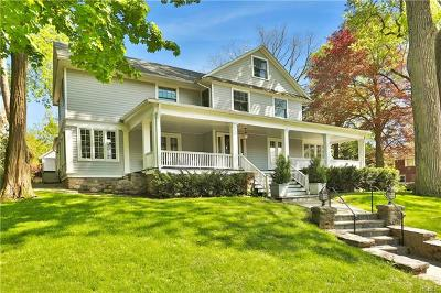 Pelham Single Family Home For Sale: 222 Loring Avenue
