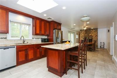 Single Family Home For Sale: 46 Dalewood Drive