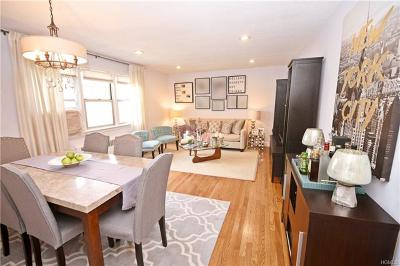 Westchester County Co-Operative For Sale: 52 Underhill Avenue #2B