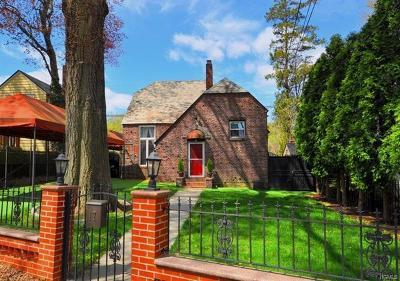 Yonkers Single Family Home For Sale: 17 Longmeadow Road