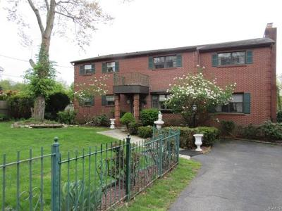 White Plains NY Single Family Home For Sale: $895,000
