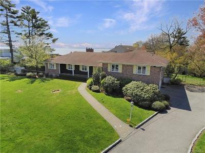 Mamaroneck Single Family Home For Sale: 1055 Nine Acres Lane