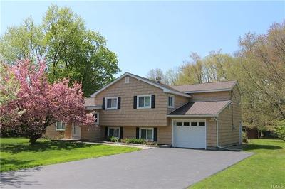 Yorktown Heights Single Family Home For Sale: 2390 Pine Grove Court