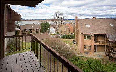 Ossining Condo/Townhouse For Sale: 1305 Eagle Bay Drive #1305
