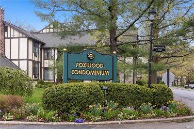 Pleasantville Condo/Townhouse For Sale: 16 Manville Lane #5