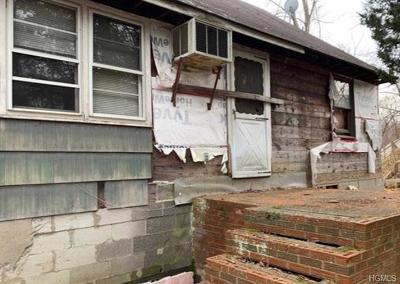 Fishkill Single Family Home For Sale: 52 Sunrise Hill Road