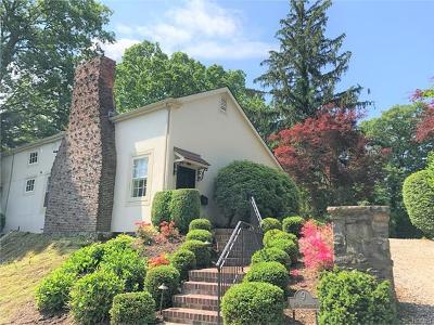 New Rochelle Single Family Home For Sale: 9 The Serpentine