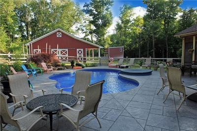 Middletown Single Family Home For Sale: 41 Forest Drive