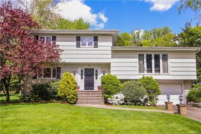 Scarsdale Single Family Home For Sale: 71 Shepherds Drive